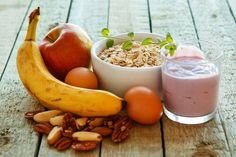 Quick, Heart-Healthy Breakfast Options: Among the flurry of activity usually dedicated for morning hours, it can seem difficult to find time to make a heart-healthy breakfast. Eat right even if you are on the go. Healthy Green Smoothies, Healthy Breakfast Smoothies, Healthy Fruits, Healthy Eating, Heart Healthy Breakfast, Best Breakfast, Breakfast Options, Breakfast Energy, Breakfast Recipes