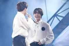 """""""q: when is taehyung the happiest? jimin: when he's with me a thread:"""" Daegu, Hoseok, Seokjin, Namjoon, Jhope, Shop Fans, Bts Vmin, Kim Taehyung, Jiyong"""