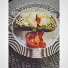 #avocadorecipes #egg #cookingideas #cookingrecipes #delicious #foodart Cooking Avocado, Avocado Recipes, Avocado Egg, Avocado Toast, Food Art, Cooking Recipes, Eggs, Bread, Instagram