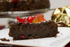 A decadent Caribbean black cake, a heavy duty rum fruit cake, popularly made in the Caribbean around Christmas time using rum soaked fruits of raisins, prunes, currants Beer Recipes, Cake Recipes, Caribbean Recipes, Caribbean Food, Carribean Desserts, Homemade Ginger Beer, Caribbean Christmas, Rum Fruit Cake, Foodie Travel
