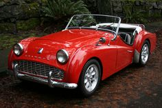 Triumph TR3  Engine: 1991 cc straight-4 or 2138 cc straight-4 Transmission: 4-speed overdrive manual[3] produced by Standard Motors Ltd.                                                                                                                                                                                 More