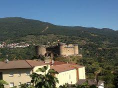 Castillo de Mombeltran construido en el siglo XV por Beltrán de la Cueva, duque de Alburquerque