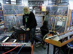 2015 -Arp Axxe & Modularsystem All About Music, New Music, Home Music, Studio Gear, Studio Equipment, Music Sequencer, Digital Audio Workstation, Music Machine, Recording Equipment