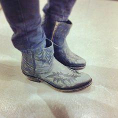 Ash 'Kurty' black western-style boots