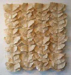Texture Priscilla Robinson: high shrinkage handmade paper of flax . could do with natural coffee filters. Fabric Manipulation Techniques, Tea Bag Art, Textile Fiber Art, Paper Artwork, Paper Book, Paperclay, Kirigami, Book Making, Installation Art