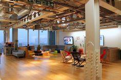 Les bureaux des plus belles startups - Mathi Design Cool Office Space, Workspace Inspiration, Blog Deco, Office Interiors, Pergola, Outdoor Structures, London, Cool Stuff, Room