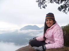Mirador hacia el Lago de Atitlán.  Volcán San Pedro, 3020 msnm. Ubicado en San Pedro La Laguna, Departamento de Sololá.