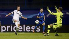 http://www.tuttosport.com/foto/calcio/champions-league/2016/09/27-15835466/dinamo_zagabria-juventus_le_emozioni_della_champions/