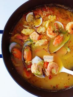 Chowder Soup, Chowder Recipes, Soup Recipes, Cooking Recipes, Bouillabaisse Marseille, Seafood Bouillabaisse, Boulliabaise Recipe, Seafood Dishes, Recipes