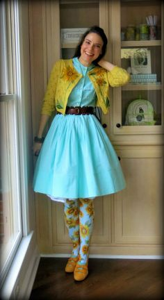 Cassie Stephens: DIY: The 7 Habits of a Crazily Dressed Art Teacher I love everything about this outfit Art Teacher Outfits, Teacher Wear, Teacher Wardrobe, Teaching Outfits, Teacher Style, Teacher Clothes, Teacher Fashion, Stylish Eve Outfits, Crazy Outfits