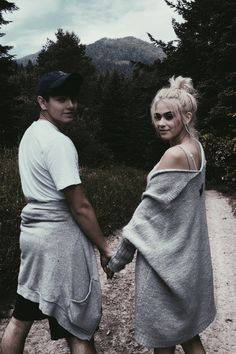 Sweet Couple, Famous People, Idol, Lovers, Celebrity, Stars, Couples, Youtube, Fashion