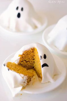 Mini Ghost Pumpkin Cakes: No one will suspect that these spooky little ghosts are made of flavorful pumpkin cake. Click through to find more easy Halloween cake ideas for kids.