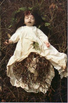 dollandclay:    (全国人形展情報 幼き魔女たちの宴 林美登利個展から)