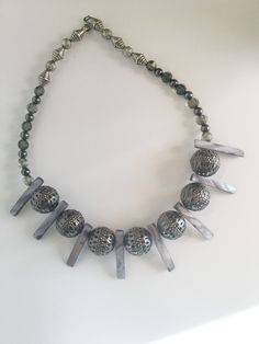 Black and Gray Statement Necklace/Free Shipping.Statement   Snap/Interchangeable Jewelry  Antique sliver flower carved jewelry with 18mm snap buttons,  and interchangeable jewelry, very versatile, personalize jewelry. You can design your own jewelry.