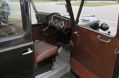 Austin FX3 Taxi cab OYU 167 In Memory Of Dad, Vintage London, Taxi, Classic Cars, Vintage Classic Cars, Classic Trucks