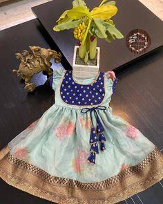 Kids Saree, Kids Lehenga, Indian Dresses For Kids, Toddler Girl Dresses, Girls Frock Design, Baby Dress Design, Kids Dress Wear, Kids Gown, Baby Frocks Designs