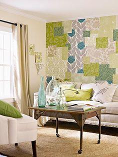 Parede decorada com formato patchwork é ótima dica de decoração