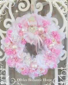 For you I have this absolute darling Pink Princess Snowlady Wreath!!!Oh my heavens this is by far one of the most gorgeous over top wreaths I