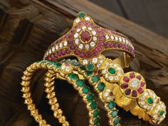 ruby_emerald_bangles_from_navrathan_jewellers-www.minmit.com