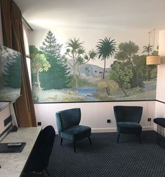 Beautiful lounge area in hotel room at Best Western Pont Wilson. Luxury Interior Design, Interior Ideas, Inspirational Wallpapers, Best Western, Lounge Areas, Luxury Homes, Tapestry, Cases, Business