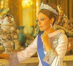 Empress Farah photo by Roloff Beny, 1977.