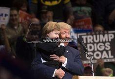 Split   Over Donald Trump Threatens to Tilt Republican States http://www.biphoo.com/politics/politics/split-over-donald-trump-threatens-to-tilt-republican-states