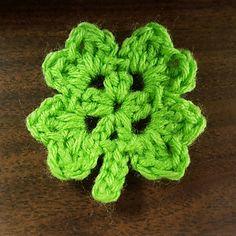 Lucky Four Leaf Clover - free crochet pattern by Amanda B.