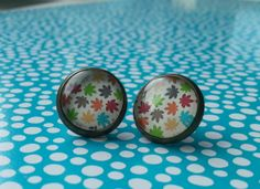 Cute studs Leaves by NiteOwl15 on Etsy, €5.50 -- from Belgium, ships worldwide.