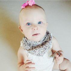LittlePetit hair bow and bib