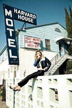 So girl crushing on her! Elizabeth Olsen <3