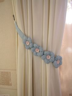 ONE NEW FABRIC CHILDREN CURTAIN TIE-BACK -PINK or BLUE -POLKA DOT PADDED FLOWERS