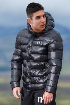 Cool Jackets, Winter Jackets, Fashion Moda, Mens Fashion, Mens Down Jacket, Pvc Raincoat, Cyberpunk Fashion, Puffy Jacket, Modern Man