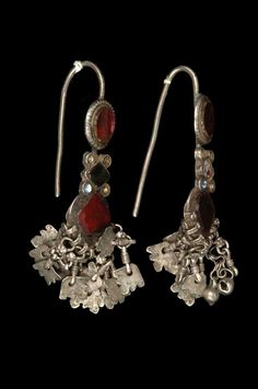 India - Rajasthan | Pair of earrings ~ popet ~ silver and glass. Worn on the upper rim of the ear by Rajasthani and Hindu Sindhi women. | ca. prior to 1974 // ©Quai Branly Museum. 71.1974.93.172.1-2