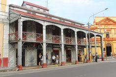 La Casa Ferrea de Gustave Eiffel (prima hermana de la torre de Paris) que algunos dicen que llego a Iquitos (Amazonas peruano) erroneamente en lugar de Quito