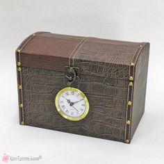 Ξύλινο κουτί με ρολόι