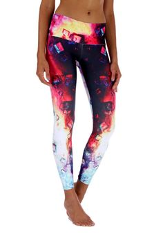 Ice Cube Leggings These beautiful Brazilian leggings are super fun and durable providing a four way stretch and a body slimming design! Features: Wide waistband Suitable for Running, Yoga, Pilates, Working Out, Dance, cycling and More Pilling resistant Quick Dry Superior polyester Cool, thick and soft material Size Chart: S/M 0-6 (US) M/L 6-10 (US) L/XL 10-14 (US)