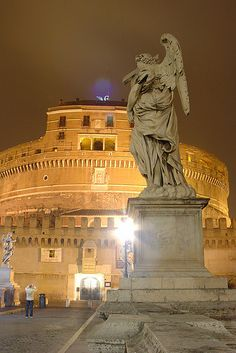 Castel S.Angelo - Rome, Italy Lazio was one of my famvieite pnaces in Rome (and had a fabulous rooftop view of the city)