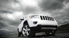 Jeep® Grand Cherokee Overland shown in Bright White.