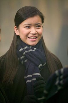 Cho Chang wearing her Ravenclaw scarf very pretty Saga Harry Potter, Mundo Harry Potter, Images Harry Potter, Harry Potter Characters, Slytherin, Ravenclaw Scarf, Cho Chang, Hermione Granger, Katie Leung