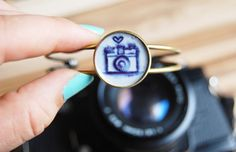 Hey, I found this really awesome Etsy listing at https://www.etsy.com/listing/235110907/bangle-camera-photography-love-with-hand