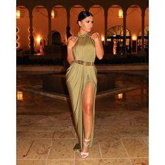 Last night before dinner  Dress @houseofcb Shoes @tomford Belt @missguided #glamrezy