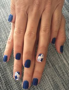 18 Nail Art Hacks Everyone Should Know Outstanding white and blue nail art Best Nail Art Designs, Nail Designs Spring, Blue Nail Designs, Pedicure Designs, Nail Art Flowers Designs, Spring Design, Spring Nail Art, Spring Nails, Summer Nails
