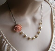 Peach Flower Beaded Necklace with Ivory Pearls. Bridal Jewelry. Vintage Inspired