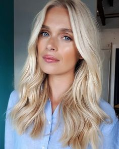 Wedding Hair Down Natural bronzed makeup and soft beachy waves today on the beautiful ? - Using Classic Tong. My Hairstyle, Down Hairstyles, Pretty Hairstyles, Wedding Hairstyles, Homecoming Hairstyles, Quick Hairstyles, Wedding Hair Down, Wedding Hair And Makeup, Hair Makeup