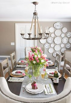 Need a simple idea for a flower arrangement for your Easter or spring table? Vases of tulips are always a winner!