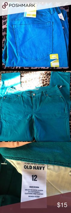 BNWT Teal Old Navy skinny jeggings Sweetheart 12 Perfect condition!  Never worn! Size 12, Sweetheart style (curvy figures)  Teal/Turquoise in color 98 Cotton, 2 Spandex Make an offer!  Also have them in magenta Old Navy Pants Skinny