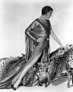 Myrna Loy, Fox, 1931 by Everett Old Hollywood Glamour, Vintage Hollywood, Classic Hollywood, Hollywood Divas, Hollywood Fashion, Mae West, William Powell, Myrna Loy, Rita Hayworth