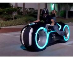 30 Futuristic Motorcycles - From Robotic Racing Bikes to Hi-Tech Borrowed Bicycles - via http://bit.ly/epinner