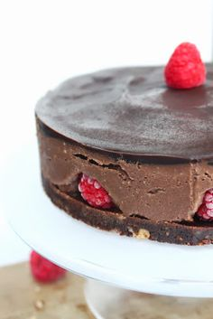"Petits repas entre amis: No bake chocolate & rasperry vegan "" cheese"" cake !"