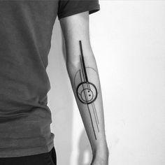 #minimalism #blackworktattoo @daaamn_